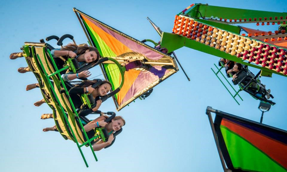 Traffic School To Go >> Manèges et attractions | Beauce Carnaval